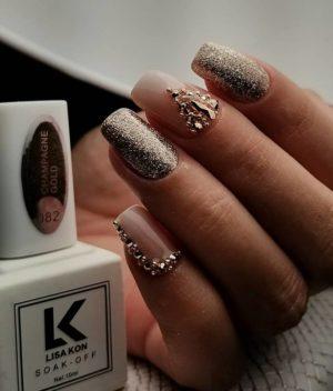 Nail-Varnish