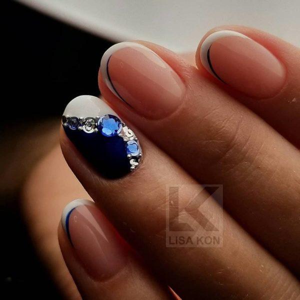 Blue-Nail-Varnish