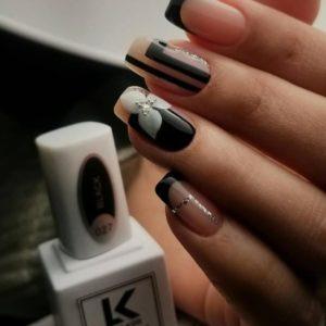 Nail-artist-varnish