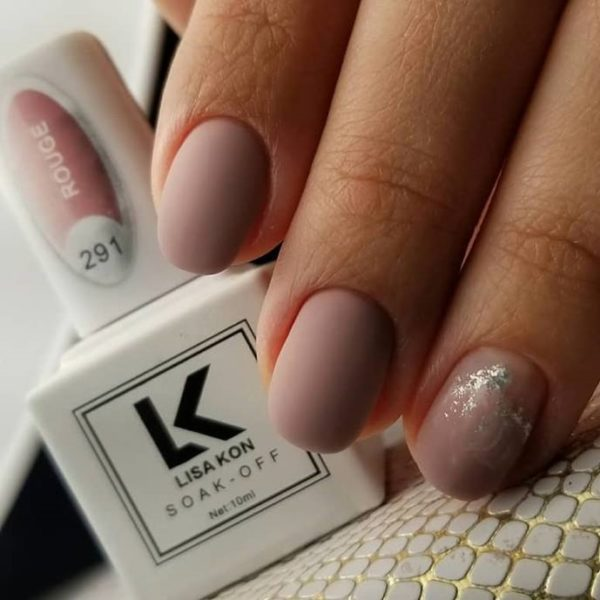 Rouge-nail-polish-white