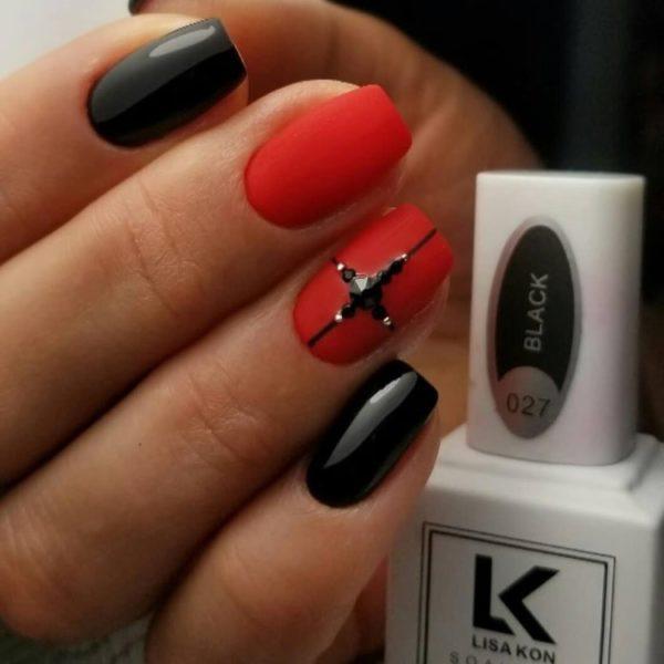 red-nail-varnish