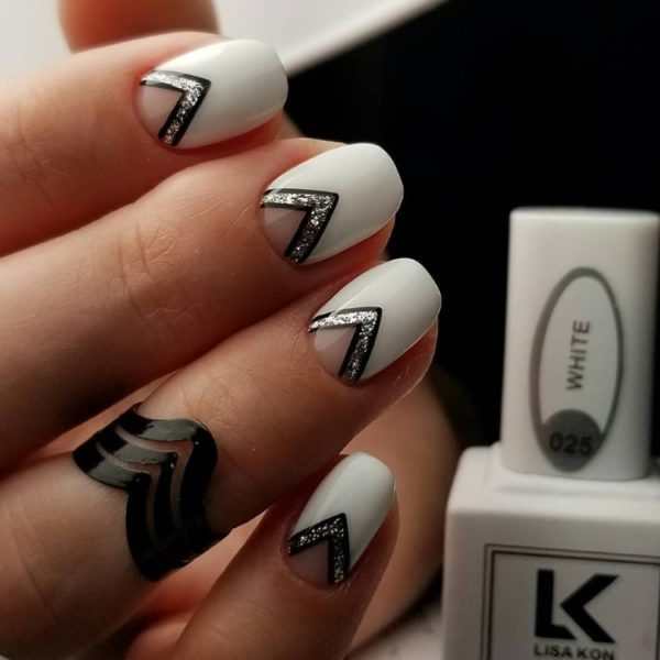 white-gel-polish-lisa-kon